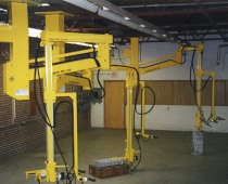 Manipulator Arm Lifts 100 lb. Engine Blocks
